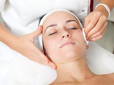 Castellum Hotel Hollókő**** Wellness kozmetika szemkezelés