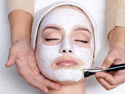 Castellum Hotel Hollókő**** Kozmetika arcmasszázs